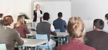 Chci vědět, zda mají rodiče právo na informace o průběhu a výsledcích mého vzdělávání?