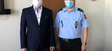 Potravinářská škola v Kroměříži podpořila policii a zaměstnance státní správy sýrovou svačinou