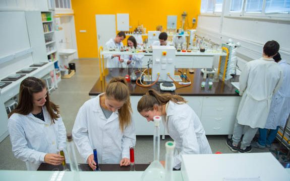 Pedagogové GJŠ Zlín byli nominováni na evropskou cenu za inovativní učení