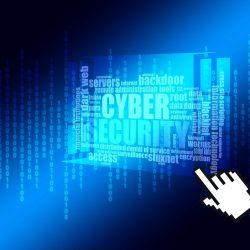 Kyberbezpečnost je pro školy klíčová. Nově učitelům pomáhají oblíbené podcasty