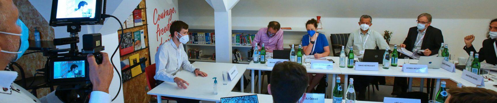 Dvanáct českých studentů zamíří na prestižní univerzity do zahraničí díky programu Scholarship